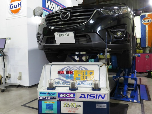 トヨタ・レクサスガソリン直噴エンジン。 ドライアイス洗浄でDSC。 吸気系の煤蓄積を完全除去しています。