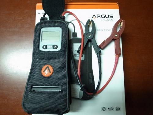 バッテリー診断機導入。 秋雨シトシト。  経験より数値化のほうが。